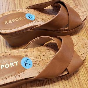 Report  7 1/2 wedge sandals